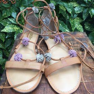 Carlos Santana tan leather flat sandals 9